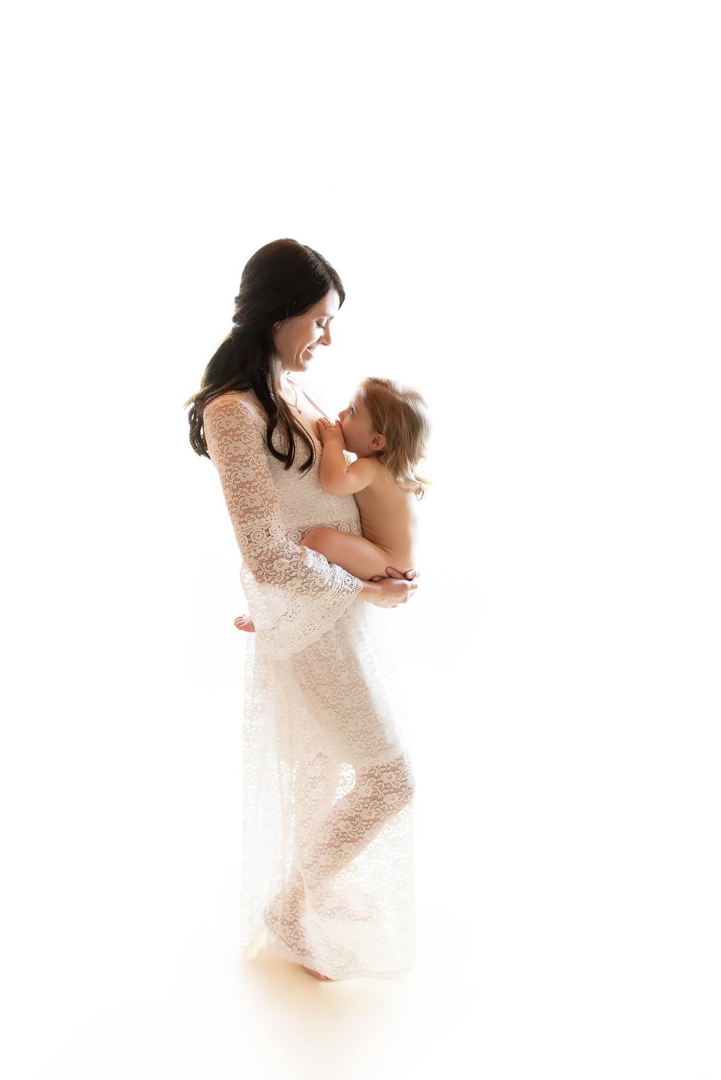 belinda lopez photo bebe enfant allaitement instant lacte maman et moi photographie famille grossesse nouveau-ne maternite photographe bourg-saint-maurice savoie belindalopez.fr-1