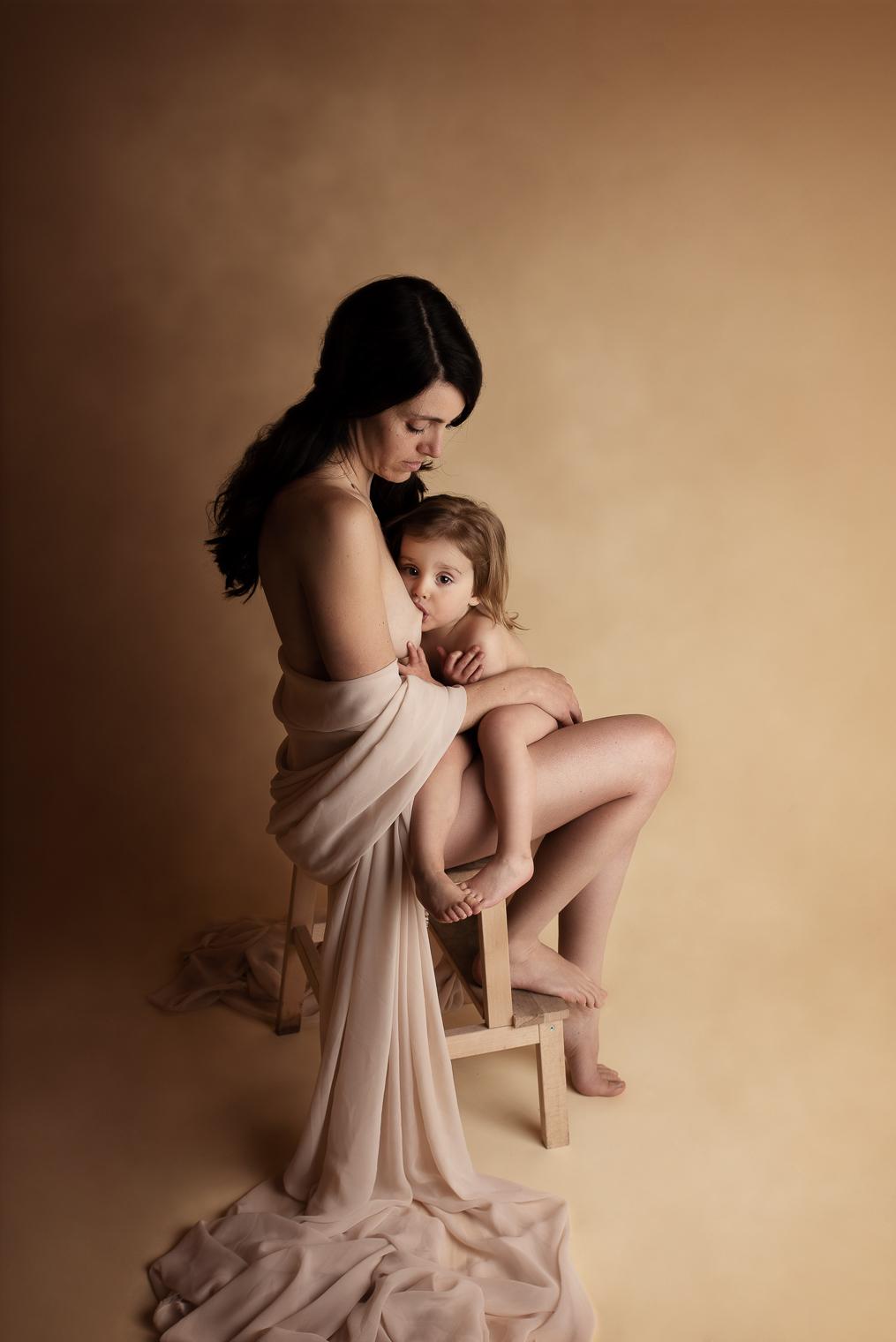 belinda lopez photo bebe enfant allaitement instant lacte maman et moi photographie famille grossesse nouveau-ne maternite photographe bourg-saint-maurice savoie belindalopez.fr-2