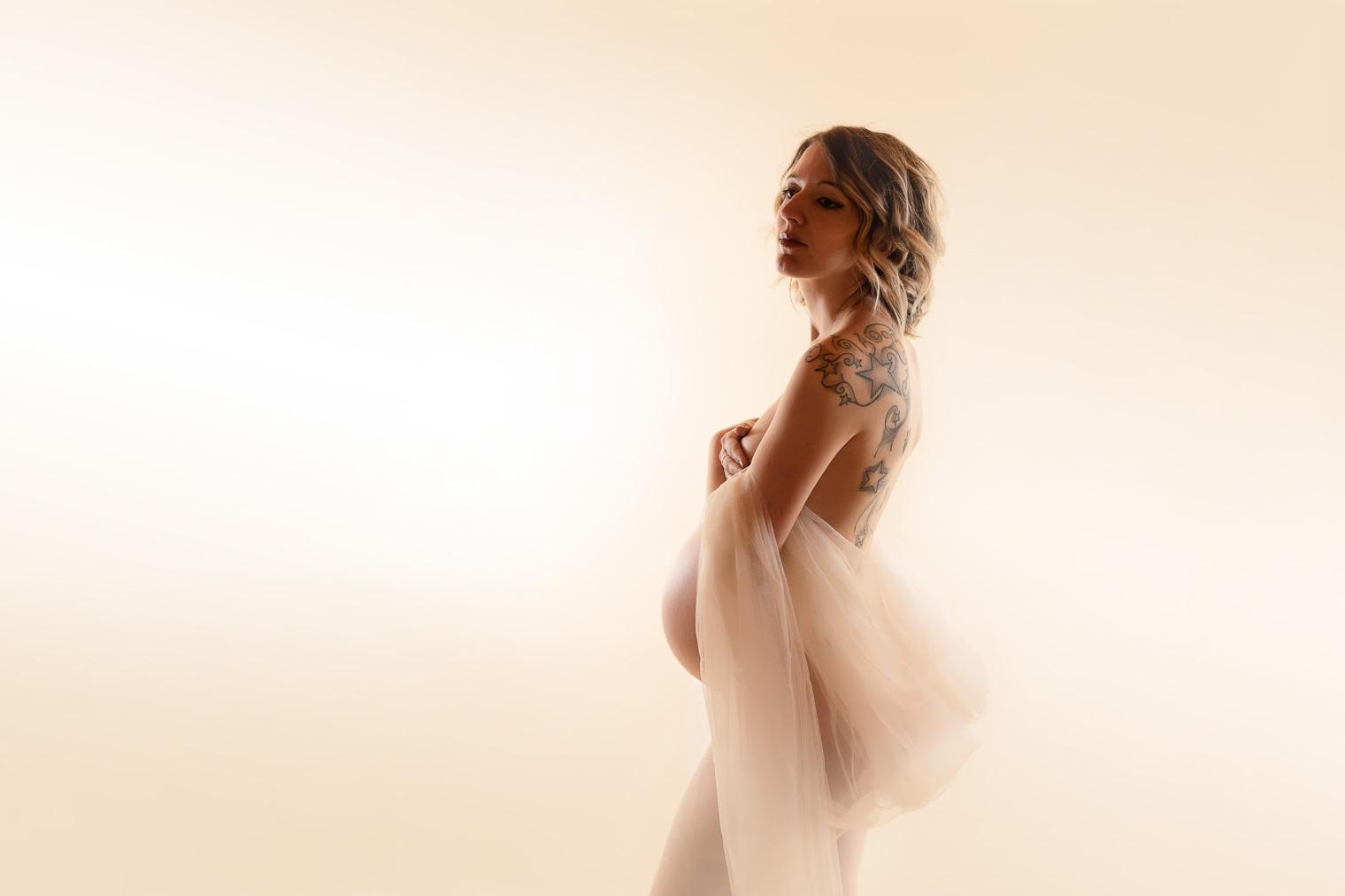 belinda lopez photo femme enceinte studio photographie famille grossesse nouveau-ne bebe enfant maternite photographe bourg-saint-maurice savoie belindalopez.fr--16