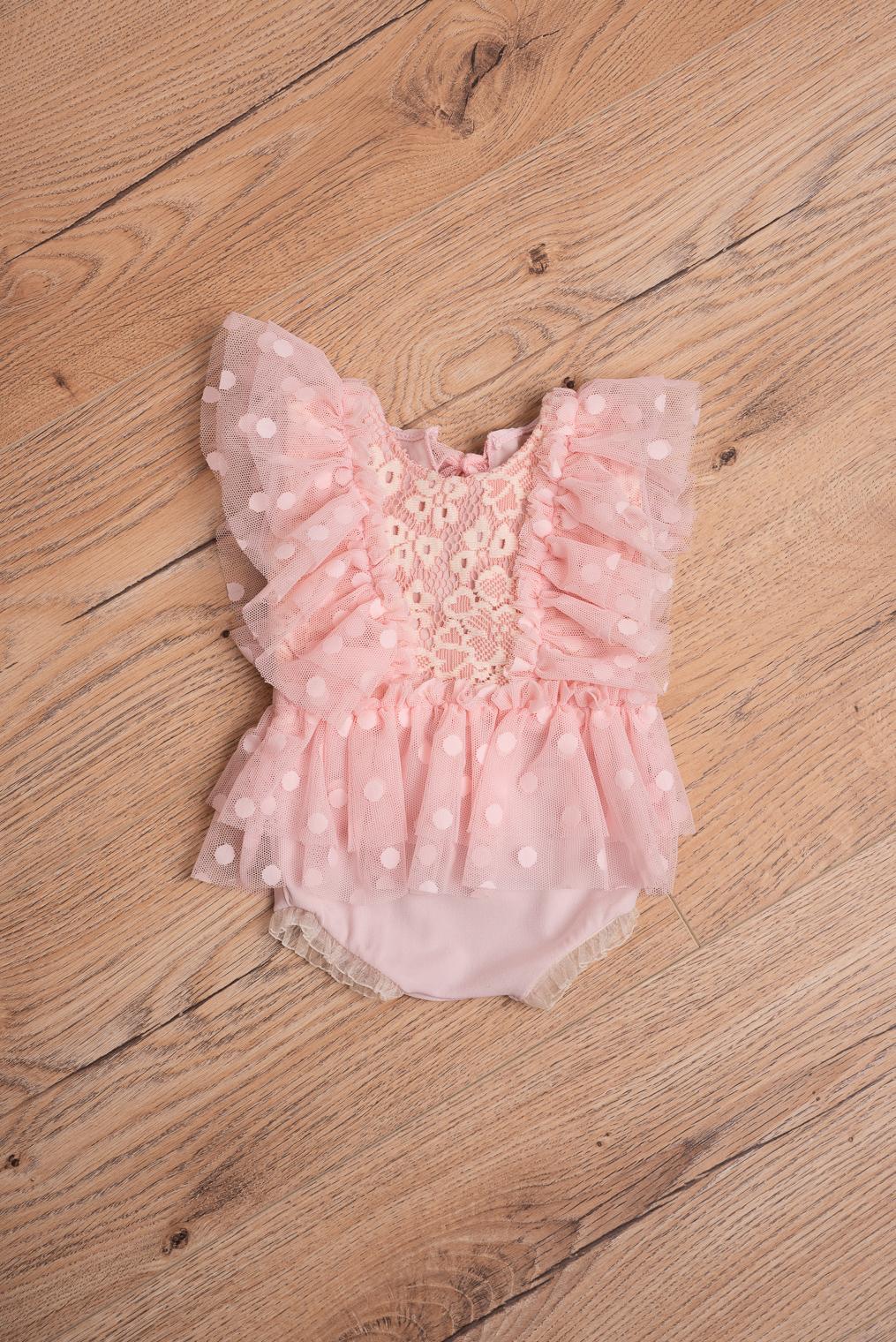 Robe pour nouveau-né rose à dentelle et tulle